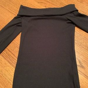 Abercrombie & Fitch Off the shoulder long sleeve